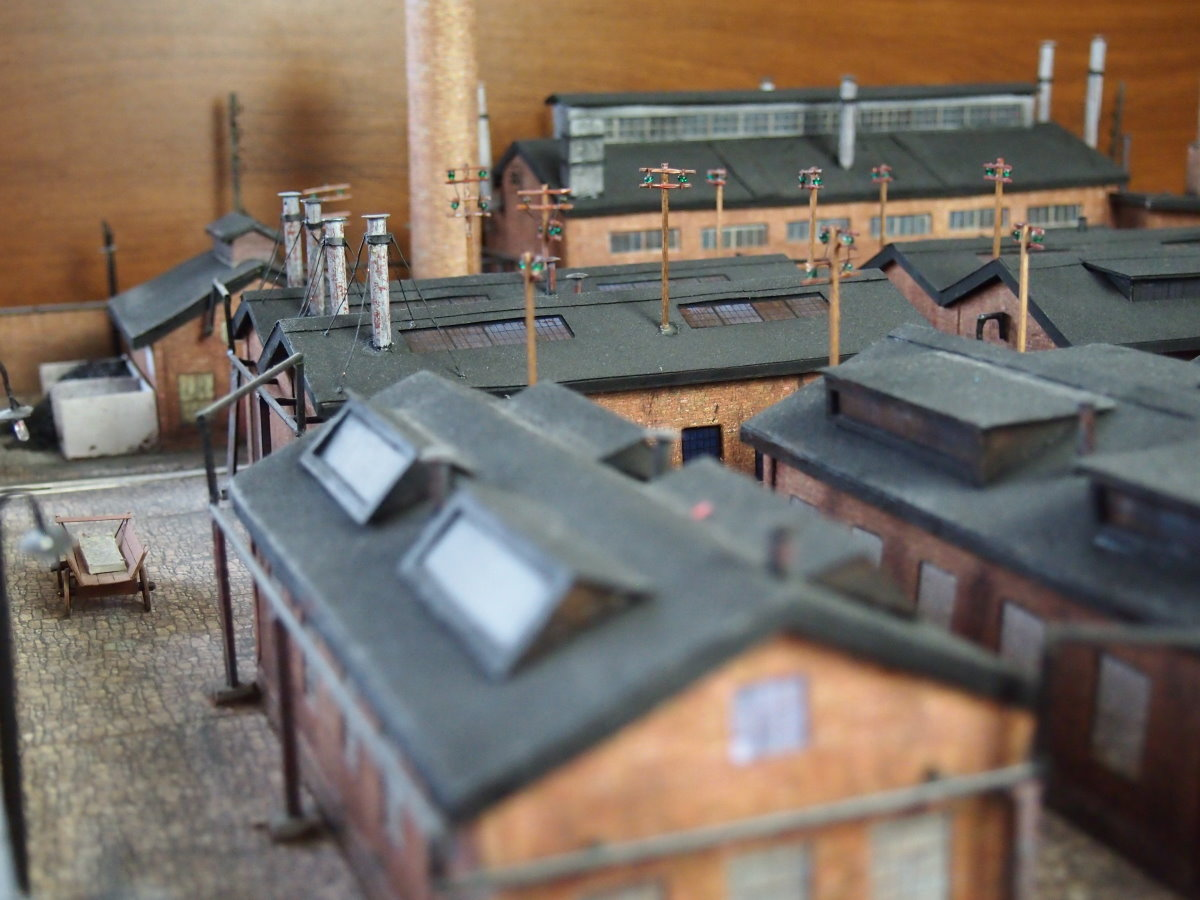 ho scale model factory 18