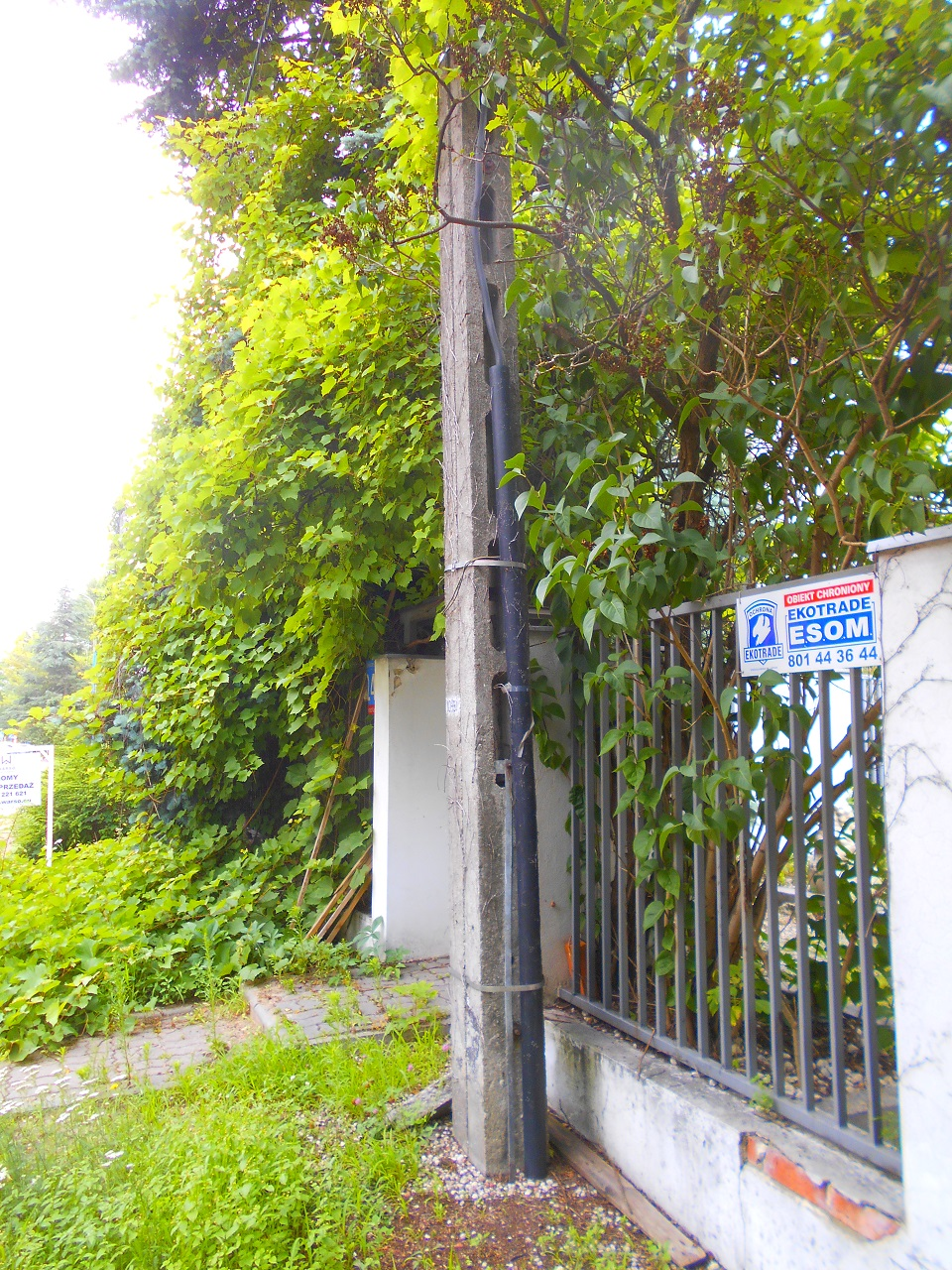 concrete light pole side