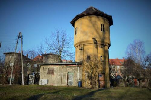 bytom water tower side building front